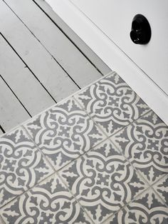 One Bedroom Swedish Flat Takes on Scandinavian Design Bathroom Inspiration, Interior Inspiration, Hall Tiles, Style Tile, Floor Design, Tile Patterns, One Bedroom, Modern Country, Scandinavian Design