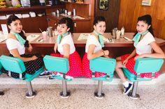 Fiesta temática quinceañera años 50's. #FiestaQuinceanera
