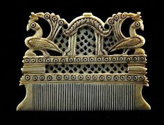 Century ivory comb from Karnataka, India. Antique Jewelry, Silver Jewelry, Tribal Hair, Vintage India, Vintage Hair Accessories, Bone Carving, Hair Ornaments, Antique Metal, Ancient Art