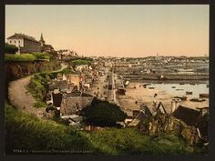 03092-General-view-from-Cape-Lihou--Granville--France.jpg 750 × 563 pixels