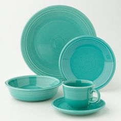Fiesta 5-pc. Place Setting: Turquoise | I've decided that turquoise finally fits into the color set that I have and it is a very nice color.