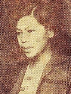 Maria Lorena Barros co-founded the Malayang Kilusan ng Bagong Kababaihan or MAKIBAKA, a militant women's organization. When Martial Law was declared, she was imprisoned. She escaped to the countryside as a guerrilla fighter and was killed during a military ambush at 28 years old. MAKIBAKA evolved into the General Assembly Binding Women for Reforms, Integrity, Equality, Leadership, and Action or GABRIELA. #kasaysayan 28 Years Old, Our Country, Guerrilla, Revolutionaries, Integrity, Martial, Equality, Countryside, Leadership