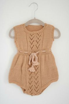 Eventually I will learn eyelet knits and can try a pattern like this. Baby Clothes Patterns, Baby Patterns, Knitted Baby Clothes, Crochet Clothes, Diy Vetement, How To Purl Knit, Culottes, Sweater Knitting Patterns, Knitting For Kids