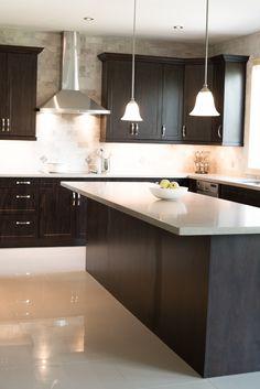 Grand Brampton Kitchen by Ridgeway Kitchens & Design Ltd