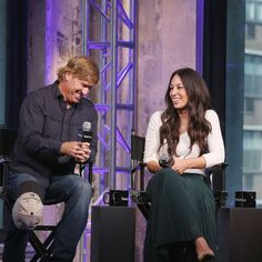 2021 can't come soon enough! Chip Und Joanna Gaines, Magnolia Joanna Gaines, Joanna Gaines Style, Chip Gaines, Fixer Upper Tv Show, Fixer Upper Joanna, Magnolia Fixer Upper, Joanne Gaines, Joanna Gaines Farmhouse