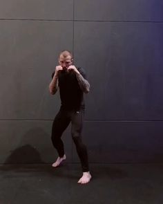 Boxing Training Workout, Mma Workout, Kickboxing Workout, Mma Training, Gym Workout Videos, Workouts, Mixed Martial Arts Training, Martial Arts Workout, Fight Techniques