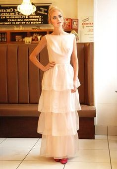 vintage prom dress. This if really pretty.