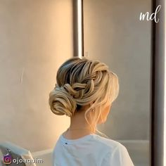 This hairstyle is super cute & here's how you can do it yourself! By: @ojoaquim