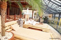 Therme Bad Schallerbach Hotels, Porch Swing, Outdoor Furniture, Outdoor Decor, Sun Lounger, Home Decor, Ski Resorts, Ski Trips, Chaise Longue