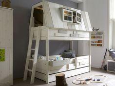 Opbevaring er alfa omega, når det drejer sig om indretning af børneværelset. Her finder du eksempler på multifunktionelle møbler, så pladsen udnyttes.