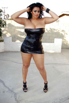 """ultra-curvy-babes: """"1,000's of horny singles are looking to hookup in your area! """""""