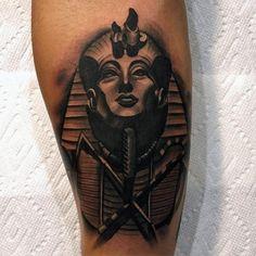 60 King Tut Tattoo Designs For Men - Egyptian Ink Ideas Statue Tattoo, Sphinx Tattoo, Anubis Tattoo, Side Tattoos, Tattoos For Guys, Tatoos, King Tut Tattoo, Egyptian Cat Tattoos, Framed Tattoo