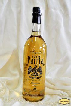 Tequila Suave Patria, un Premium Añejo 100% de agave. Elaborado en Tequila, Jalisco, México