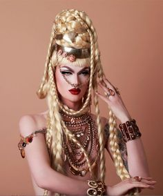 This is Pearl a drag queen from RuPauls Drag Race. Who also has an album out called Pleasure. Drag Queens, Paper Fashion, Fashion Art, Fashion Events, Pearl Liason, Pearl Drag, Drag Queen Makeup, Adore Delano, Rupaul Drag