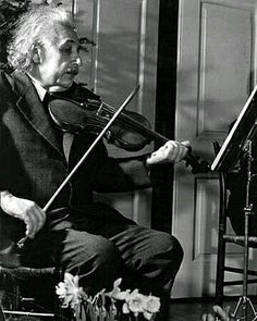 """If I were not a physicist, I would probably be a musician. I often think in music. I live my daydreams in music. I see my life in terms of music. I get most of my joy in life out of music"" ~ Albert Einstein Life Magazine, Musica Celestial, Electric Violin, Theory Of Relativity, Magazine Pictures, E Mc2, Albert Einstein Quotes, Albert Einstein Photo, Physicist"