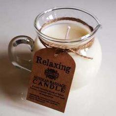 L'autre manière de faire un massage sensuel ou relaxant : La bougie de massage à la cire liquide tiède et son pot verseur en verre