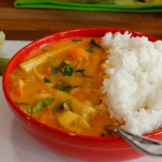 Thai Red Curry with Sweet Potatoes, Baby Corn and Peaches | WHAT the HECK do I eat NOW Vegan Blogs, Vegan Dinner Recipes, Vegan Breakfast Recipes, Delicious Vegan Recipes, Healthy Recipes, Healthy Eats, Healthy Snacks, Easy Vegan Dinner, Vegan Dishes