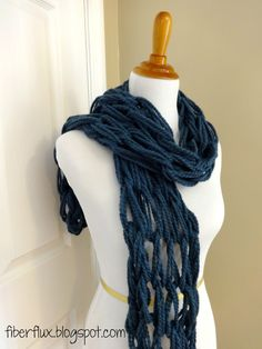 The Arm Knit Tassel Scarf is a modern and pretty project that is super fast to make.  If you are new to arm knitting, this is a grea...