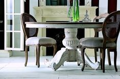 Mesa de comedor blanca decapada