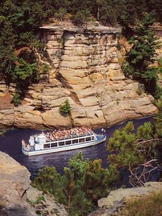 Wisconsin Dells: Indoor and outdoor water parks are the big attraction for most families, but boat trips, two state parks and other attractions are worth a stop.