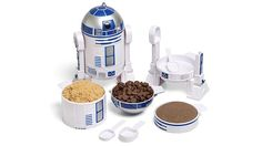 As far as movie sidekicks go, it's hard to find one as invaluable as Star War's R2-D2 was. That little droid was always in the right place, at the right time, with the right tool to save the day. And that now includes your kitchen with this R2-D2 measuring cup set that helps ensure your baking ingredients are always perfectly proportioned.