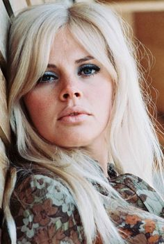 1974 : Britt Ekland