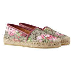 Gucci Gg Blooms Supreme Espadrille ($330) ❤ liked on Polyvore featuring shoes, sandals, pink, platform espadrille sandals, flat shoes, pink platform sandals, gucci espadrilles and low platform sandals