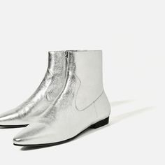Image 6 of LAMINATED LEATHER ANKLE BOOTS from Zara