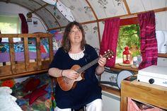 Eileen O'Toole with Ukulele folksong for Gypsy Wagon TV