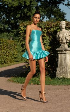 Rasario Low-Back Silk Mini Dress Elegant Dresses, Pretty Dresses, Beautiful Dresses, Look Fashion, High Fashion, Fashion Design, Classy Fashion, Couture Fashion, Runway Fashion