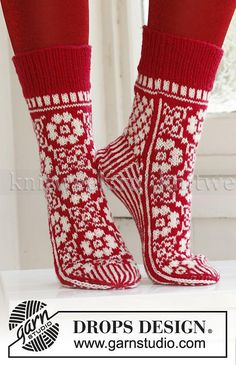 Socks & Slippers - Free knitting patterns and crochet patterns by DROPS Design Crochet Socks, Knitting Socks, Knit Crochet, Knitting Patterns Free, Knit Patterns, Free Knitting, Free Pattern, Drops Design, Patterned Socks