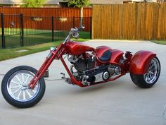 Show Trike Harley-Davidson Custom Trikes For Sale, Custom Cars, Wooden Bicycle, Bicycle Art, Harley Davidson Trike, Bicycle Painting, Trike Motorcycle, Chopper Bike, Vintage Bikes