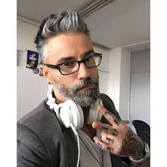Cozy 45+ Best Gray Haired and Beard Men Ideas http://www.tukuoke.com/45-best-gray-haired-and-beard-men-ideas-11416