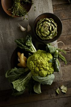 Great textures and adore the carefully considered colour palette. Photo Alicia Buszczak | Prop Stylist Raw Food Recipes, Unique Recipes, Food Styling, Fruits And Vegetables, Green Veggies, Food Photography Styling, Greens Recipe, Korn, Ivy House