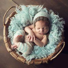 Baby Boy Photo Props Crochet Blue Stripe Newborn Costumes Newborn Photography Props Infant Outifits for Photoshooting Baby Boy Photos, Newborn Pictures, Baby Pictures, Newborn Photography Poses, Newborn Baby Photography, Photography Props, Clothing Photography, Newborn Knit Hat, Newborn Boys