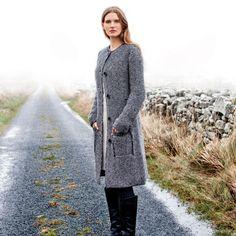 Natürlich chice Mode aus Irland - Langer Strickmantel aus 100% wärmender Wolle von Fisherman Out of Ireland