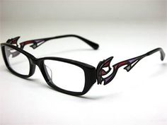 Bayonetta glasses. MUST. HAVE.