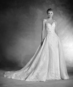 Novela - Vestido de novia escote pico, en encaje, tul y corte sirena
