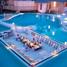 When I am 18 years old, this is what my swimming pool looks like. Dream Home Design, Modern House Design, My Dream Home, Vacation Places, Dream Vacations, Vacation Travel, Travel Goals, Vacation Spots, Future House