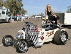 Western Fuel Altered's Nitro cars / Alky cars plus a nice sized show. The pics are not great due to the suns position and my Dragster, Nhra Drag Racing, T Bucket, Old Race Cars, Vintage Race Car, Drag Cars, Car Girls, Car Humor, Up Girl