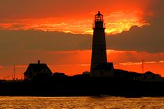 New England Lighthouses: A Virtual Guide -  - Jeremy D'Entremont