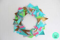 Geometric Wreath using triangular paper scraps (or not) glued to cardboard ring, video tutorial (1 mins)