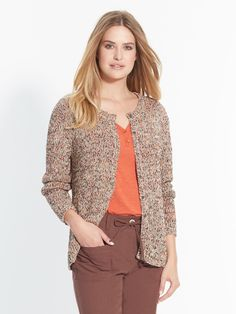 For a great look, team this cardiganwith all your outfits. With a round neck, button fastening, long sleeves and 1x1 ribbed trim. Stranded knit, 50% c