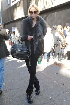 Drooling over this grey fur coat, can't get much better than this for #winter  #grey #black #fauxfur #style