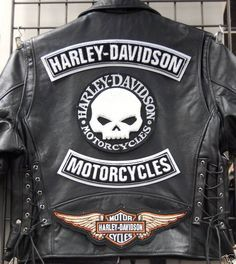 Harley Davidson Store is where we choose which we think are the best value for money Harley Davidson merchandise. Harley Davidson Store, Harley Davidson Patches, Harley Davidson Leather Jackets, Harley Davidson Merchandise, Harley Davidson Parts, Motor Harley Davidson Cycles, Motos Harley Davidson, Harley Davidson Wallets, Men Fashion