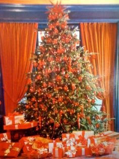 UT Orange Christmas Tree-- I know plenty of people who would love this-- go vols!