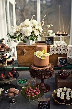 Wedding Cakes & Dessert Table Ideas ❤ Vintage to modern. See more: http://www.weddingforward.com/wedding-dessert-table-ideas-vintage-modern/ #weddingcakes