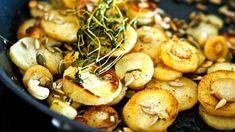 """Siken ihana lisuke sopii minkä tahansa ruoan kanssa ja on kuitupommi: """"Sietää syödä ihan sellaisenaankin"""" - Ajankohtaista - Ilta-Sanomat Food Tasting, Greens Recipe, Baked Potato, Potato Salad, Shrimp, Side Dishes, Salads, Food And Drink, Veggies"""