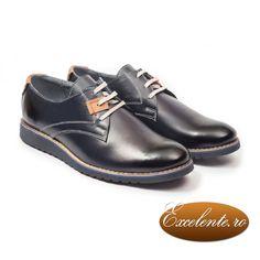 Pantofi eleganti si simpli pentru tinute formale. Pantoful clasic care se potriveste pentru cele mai multe evenimente deosebite pe care le puteti avea.