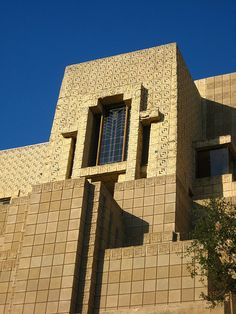 Ennis House - Frank Lloyd Wright This was the house in the movie House on Haunted Hill (in Hollywood/Los Feliz)